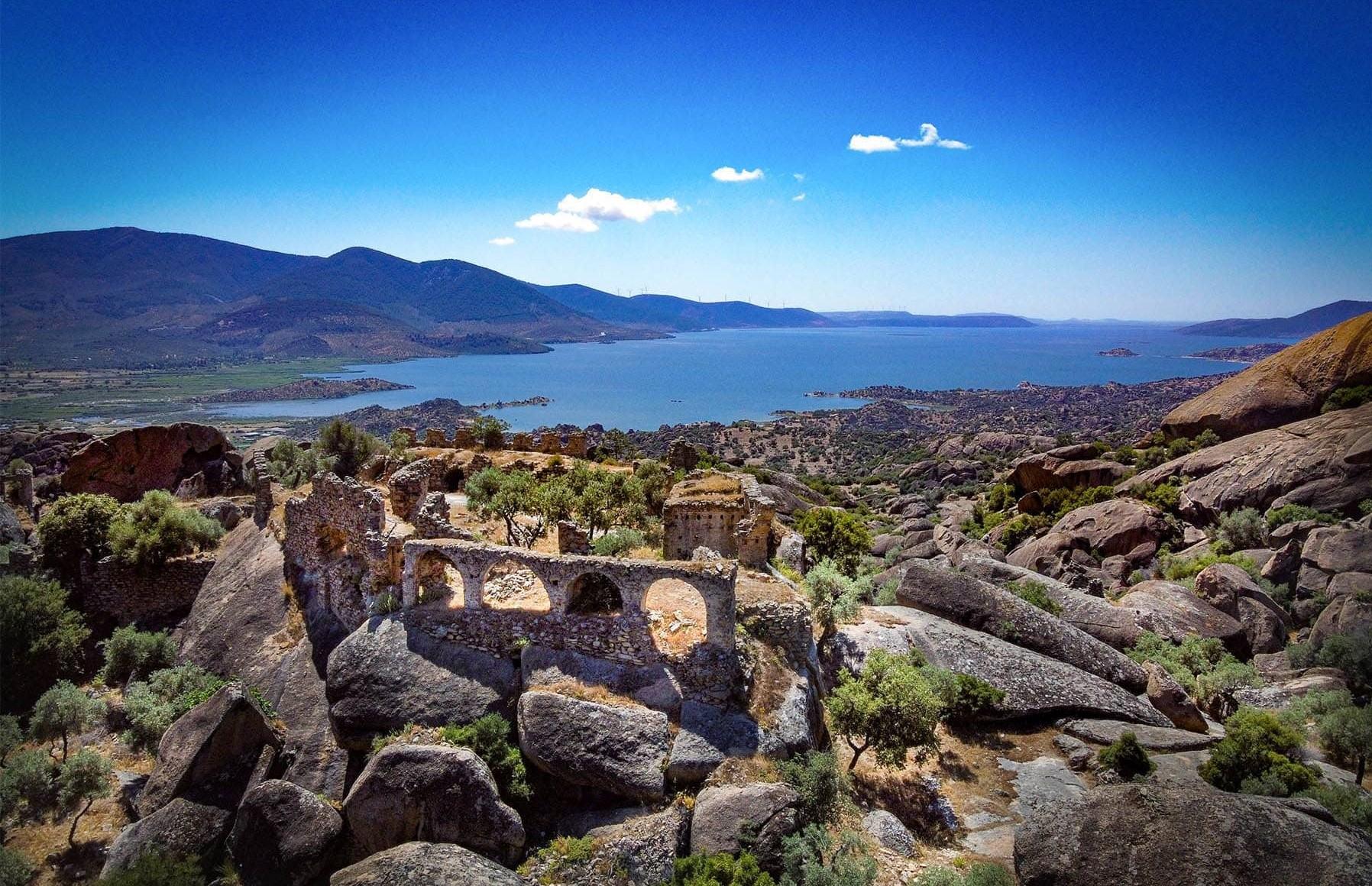 Поход по Карийской Тропе, священый город Лабраунда, озеро Бафа.